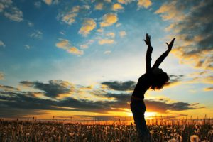 Profita de beneficiile yoga